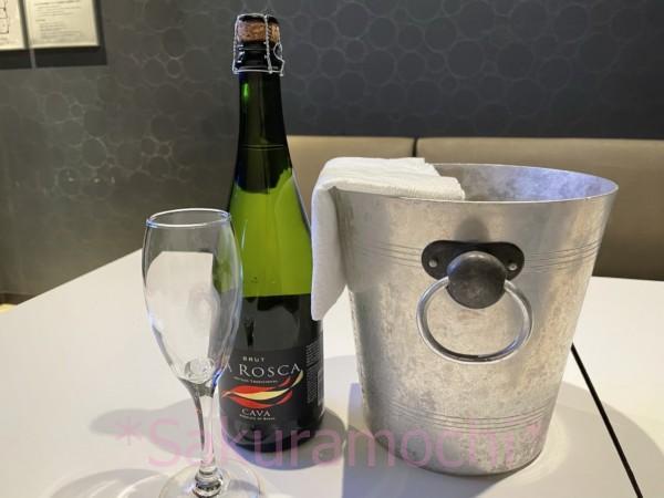 カラオケの鉄人でもらった優待のシャンパン